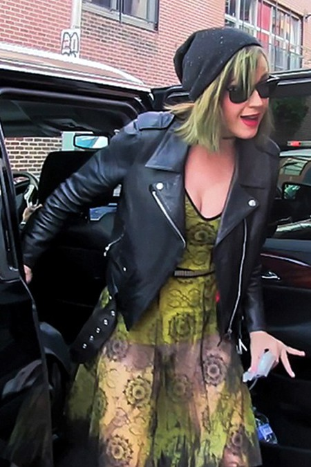 Katy Perry is seen arriving for private, after hours tour to the Mütter Museum in Philadelphia, PA