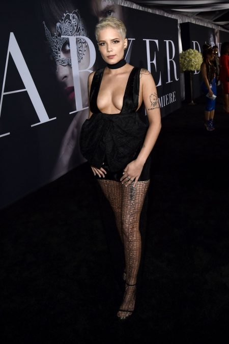 halsey-at-fifty-shades-darker-premiere-in-los-angeles-02-02-2017_2